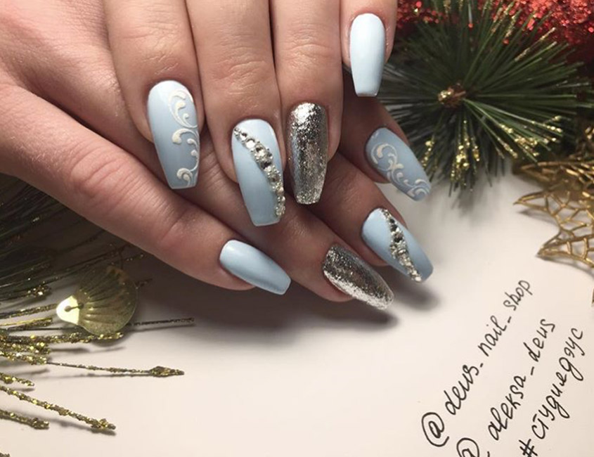 20 nail art designs that are perfect for the holiday season ...