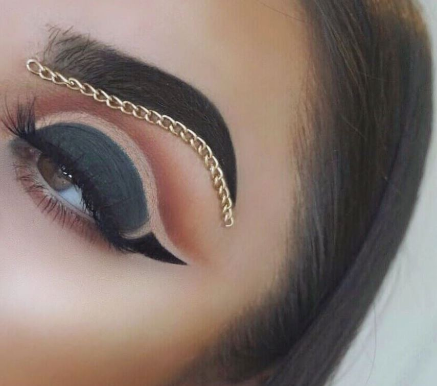 This Makeup Artist Added A Chain To Her Eyebrow Because